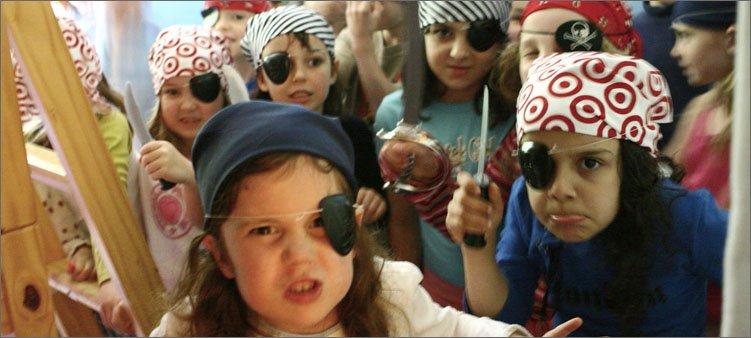 девочки-на-пиратской-вечеринке