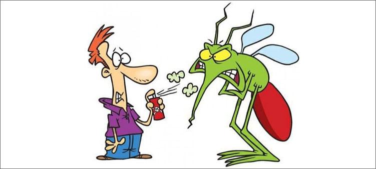 мужик-пшикает-в-комара