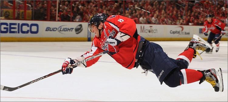хоккеист-падает