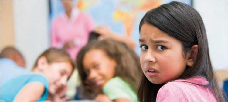 девочке-грустно-в-школе