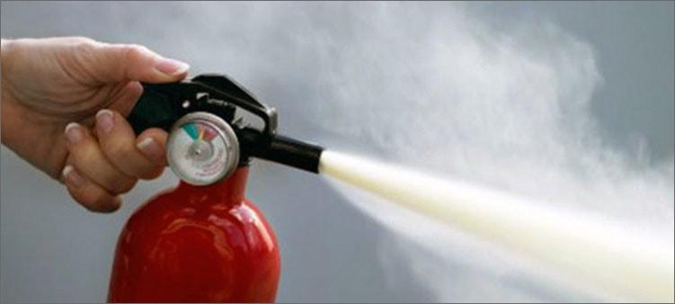 огнетушитель-в-действии