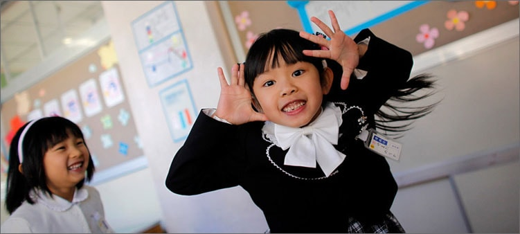маленькая-школьница-в-японии