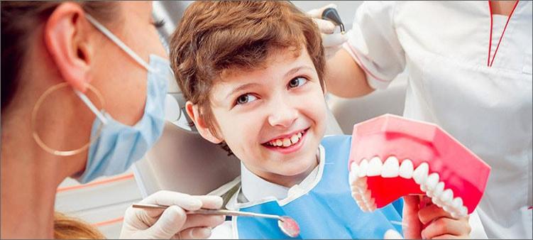 стоматолог-и-ребенок